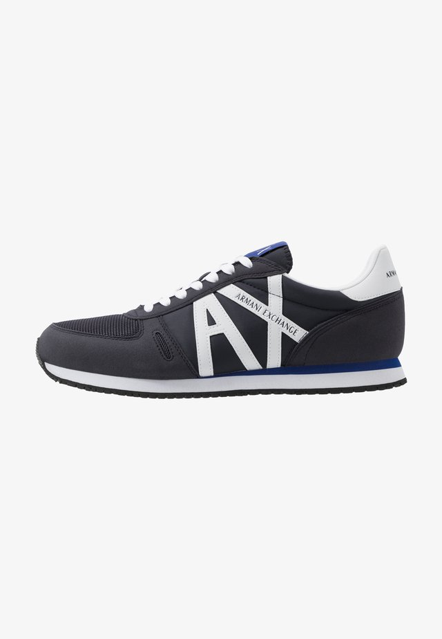 RETRO RUNNER - Trainers - navy/white