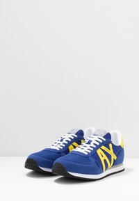 Armani Exchange - RETRO RUNNER - Trainers - blue/yellow - 2