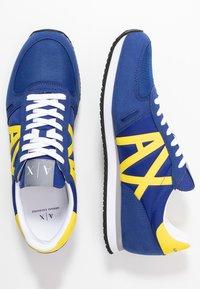 Armani Exchange - RETRO RUNNER - Trainers - blue/yellow - 1