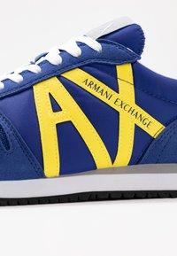 Armani Exchange - RETRO RUNNER - Trainers - blue/yellow - 5
