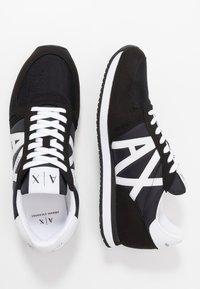 Armani Exchange - RETRO RUNNER - Sneakersy niskie - black/white - 1