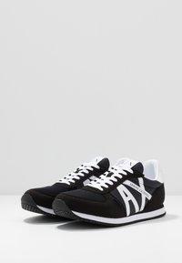 Armani Exchange - RETRO RUNNER - Sneakersy niskie - black/white - 2