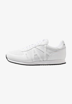 RUNNER - Zapatillas - white