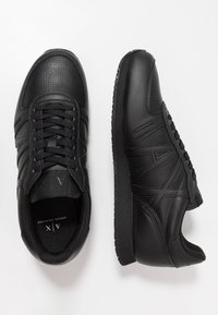 Armani Exchange - RUNNER - Baskets basses - black - 1