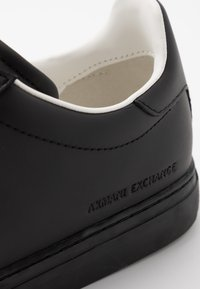 Armani Exchange - CLEAN CUPSOLE - Sneakers laag - black - 5
