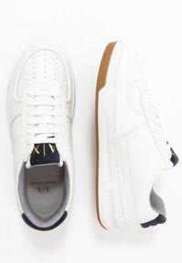 Armani Exchange - CHUNKY TENNIS - Zapatillas - white/navy - 1