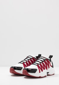 Armani Exchange - CHUNKY RUNNER - Baskets basses - white/black/red - 2
