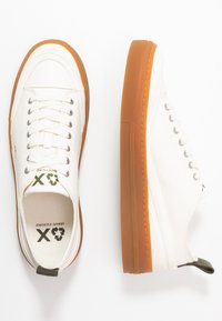 Armani Exchange - Sneakers - offwhite - 1