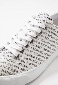 Armani Exchange - Trainers - optic white/black - 5