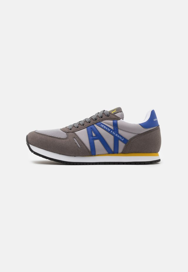 AX RETRO RUNNER - Trainers - grey/blue