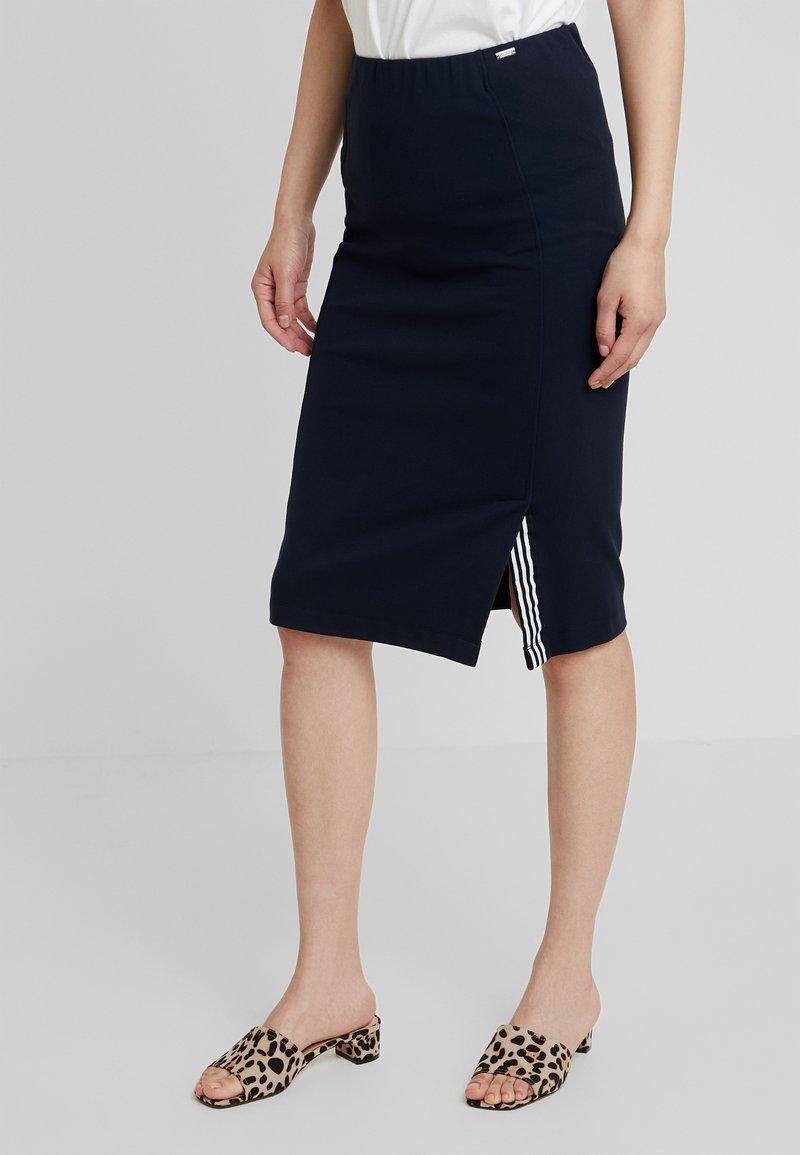 Armani Exchange - Pouzdrová sukně - blueberry jelly