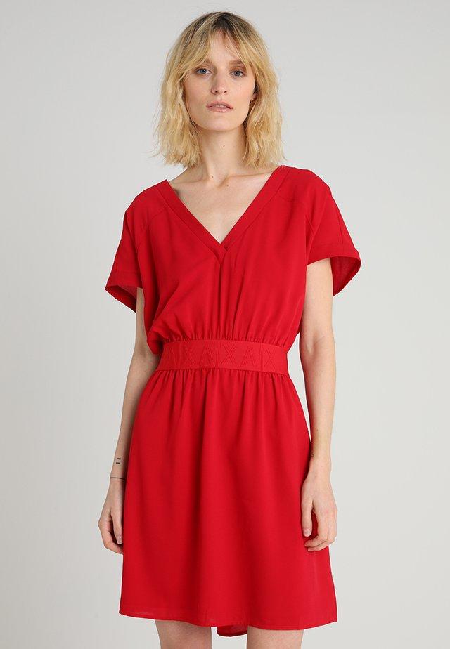 Vapaa-ajan mekko - red
