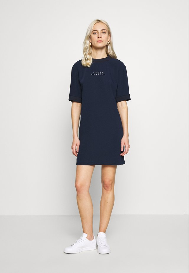 DRESS - Korte jurk - blueberry jelly