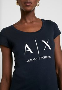 Armani Exchange - Print T-shirt - navy - 4