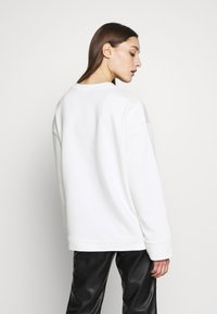 Armani Exchange - Mikina - off white - 2