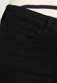 Armani Exchange - Slim fit -farkut - black denim - 3
