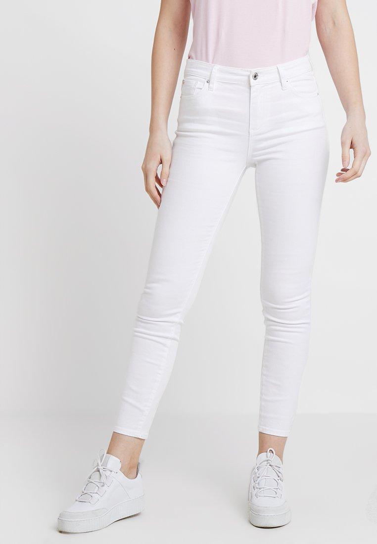 Armani Exchange - Slim fit jeans - off white