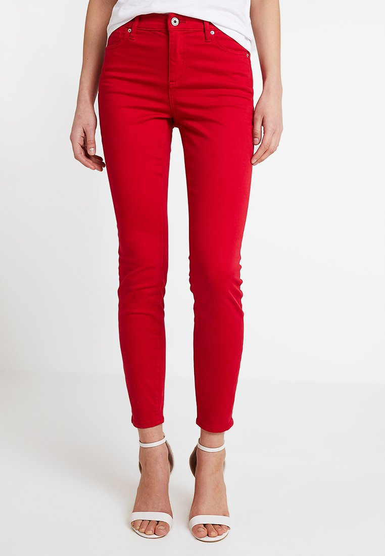 Armani Exchange - Jeans Slim Fit - red shoes
