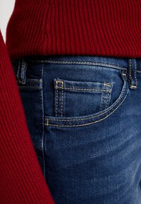 Armani Exchange - POCKETS - Jeans Skinny Fit - indigo denim - 4