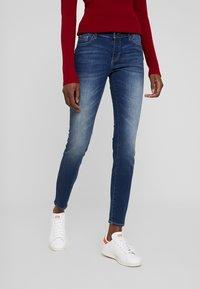 Armani Exchange - POCKETS - Jeans Skinny Fit - indigo denim - 0