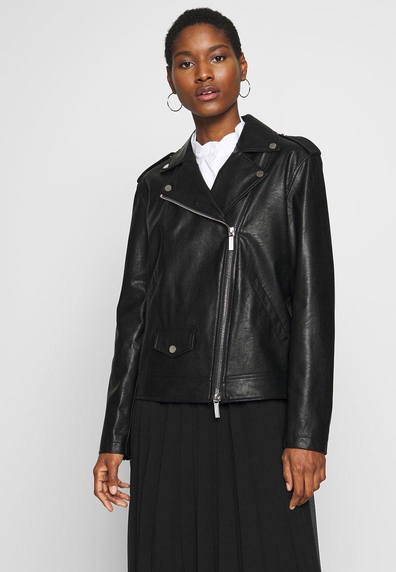 Armani Exchange - Jacka i konstläder - black
