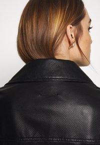 Armani Exchange - Veste en cuir - black - 6