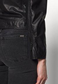 Armani Exchange - Veste en cuir - black - 4