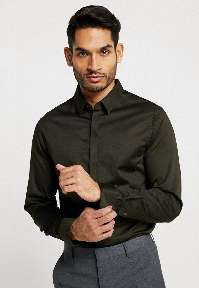 Armani Exchange - Zakelijk overhemd - miltery green