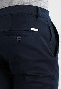 Armani Exchange - Pantalon classique - navy - 4