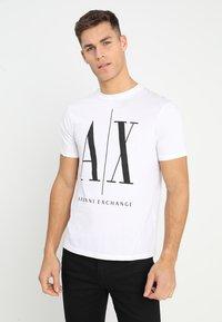 Armani Exchange - T-shirt imprimé - white - 0