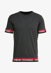 Armani Exchange - T-shirt imprimé - dark grey - 3