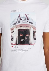 Armani Exchange - T-shirt con stampa - white - 4