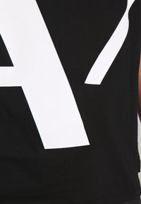 Armani Exchange - T-shirt z nadrukiem - black - 4