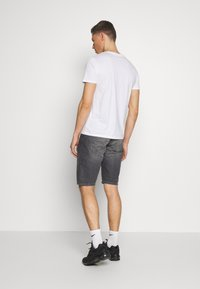 Armani Exchange - T-shirt imprimé - white - 2
