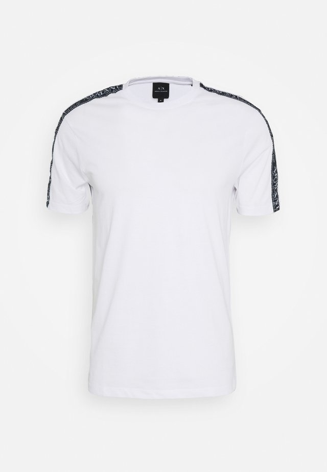 JUMPER - T-shirt imprimé - white