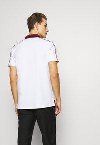 Armani Exchange - Koszulka polo - white - 2