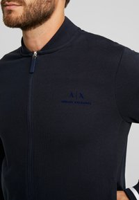 Armani Exchange - Mikina na zip - navy - 5