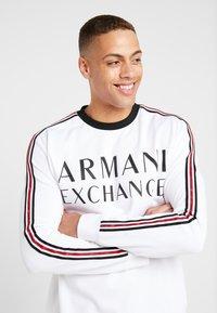 Armani Exchange - Top sdlouhým rukávem - white - 3