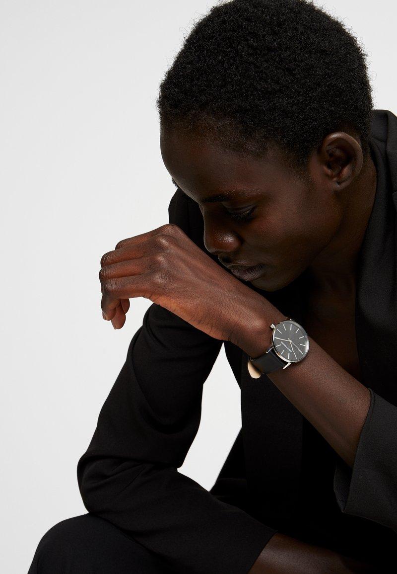 Armani Exchange - Hodinky - black