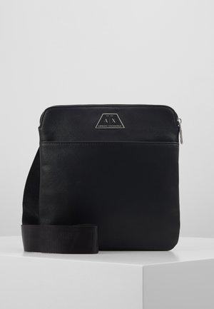 SMALL CROSSBODY BAG - Axelremsväska - black