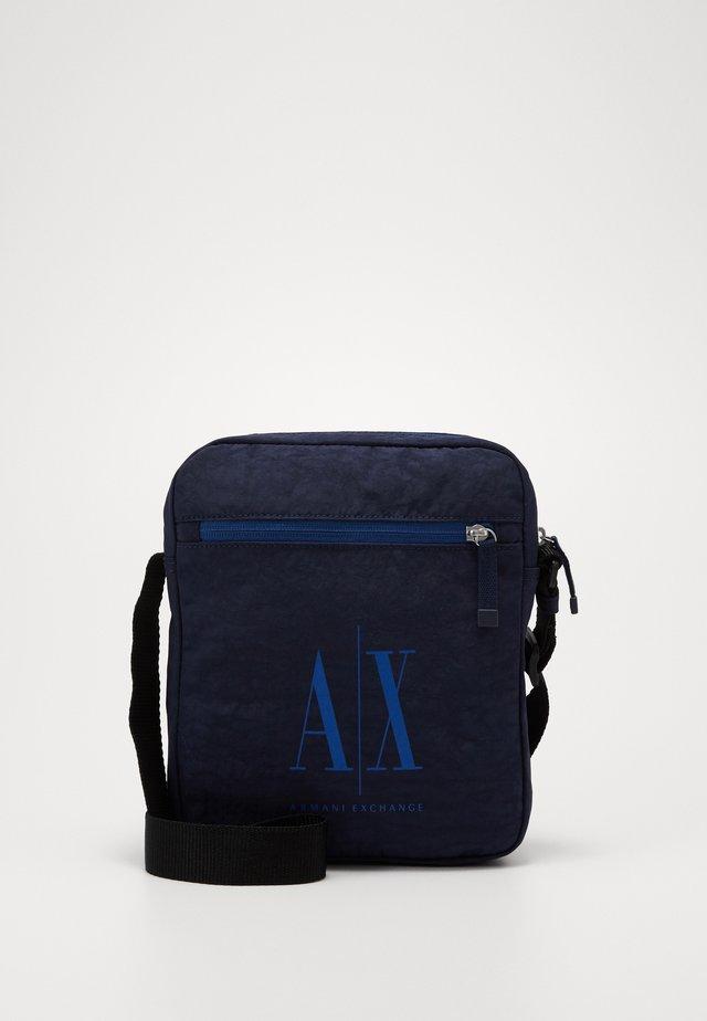 SMALL CROSSBODY BAG - Across body bag - dark sea