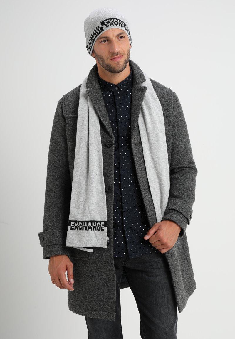 Armani Exchange - SET - Sjaal - alloy heather
