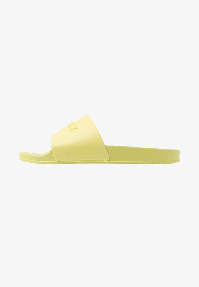 SLIDES - Badesandale - yellow glow