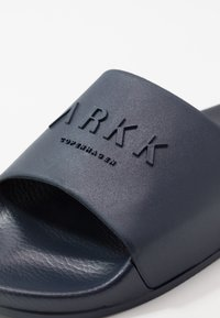ARKK Copenhagen - SLIDES - Pantofle - midnight - 5