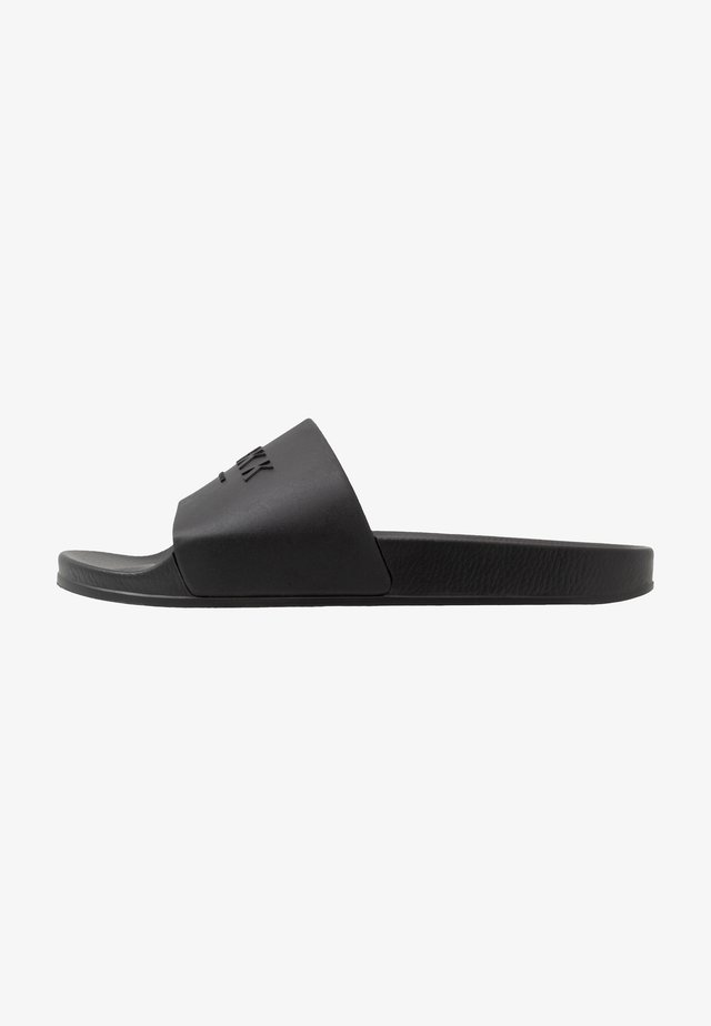 SLIDES - Matalakantaiset pistokkaat - black