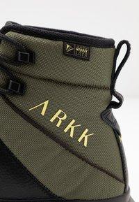 ARKK Copenhagen - High-top trainers - moss/green/black - 5