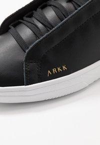 ARKK Copenhagen - UNIKLASS - Sneakers laag - black - 5