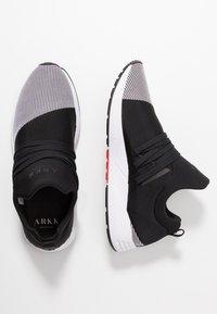 ARKK Copenhagen - RAVEN S-E15 - Sneakersy niskie - black/white - 1