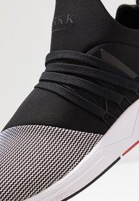 ARKK Copenhagen - RAVEN S-E15 - Sneakersy niskie - black/white - 5