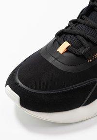 ARKK Copenhagen - LYRON F-PRO90 - Sneakersy niskie - black/orange glow - 5